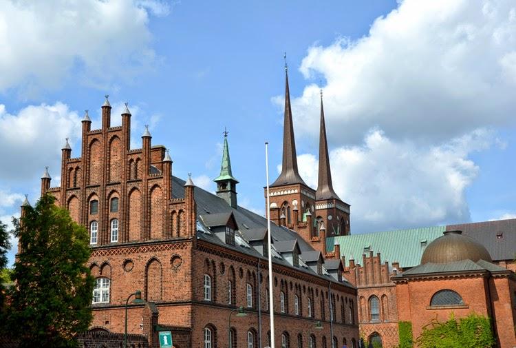 Acogedora Roskilde, histórica ciudad danesa del esplendor