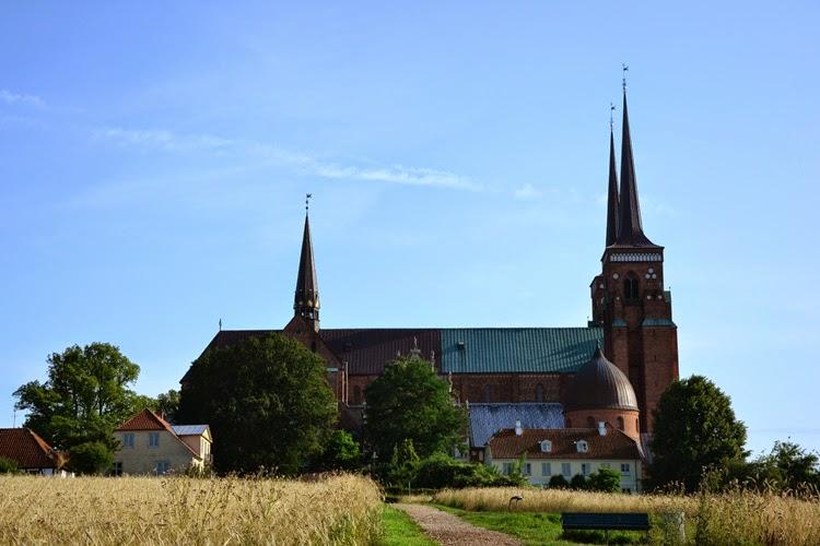 edificio histórico, catedral de Roskilde, Dinamarca | stylefeelfree