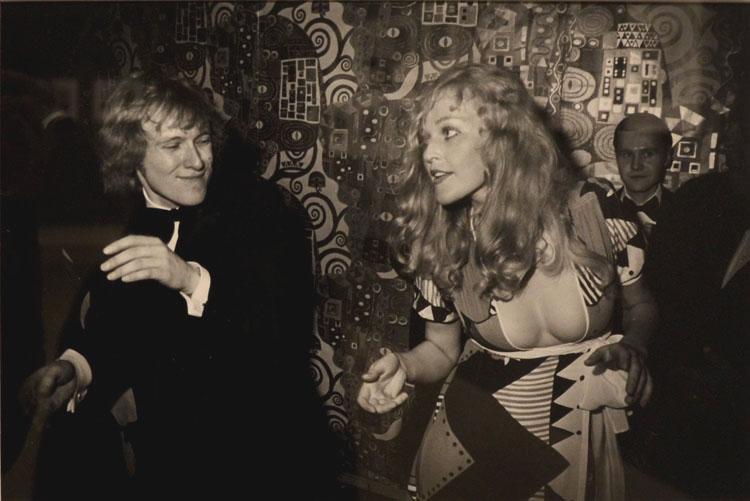 Baile del centenario en el MET, 1969 | Garry Winogrand | stylefeelfree
