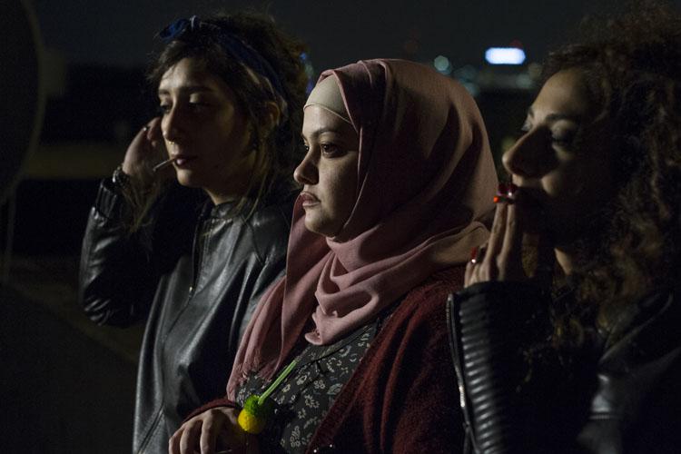 Bar Bahar. Entre dos mundos | El eco de las mujeres reales más allá de Occidente