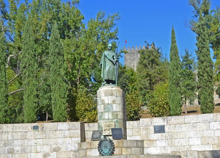 Estatua de Afonso Henriques | Portugal | StyleFeelFree
