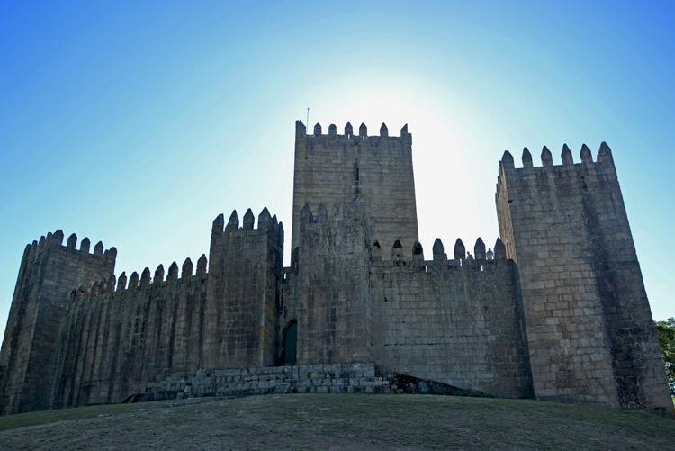 Castillo de Guimarães | Portugal | StyleFeelFree