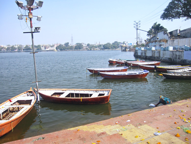 Barcas en Upper Lake | India | StyleFeelFree