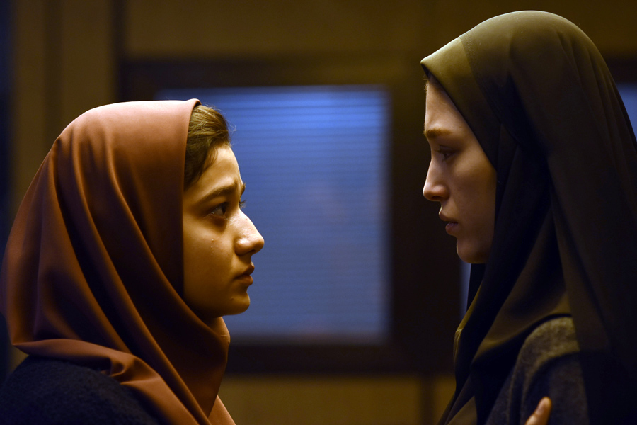 Yalda, la noche del perdón | Dos clases sociales enfrentadas